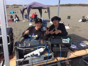 湘南辻堂で行われたサーフミートに地元で人気DJも登場で大盛り上がり