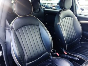 BMWミニ クラブマン ボンドストリートの革シート